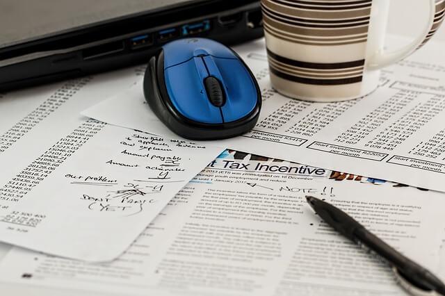 attract-investors-online-through-business-blogs (1)